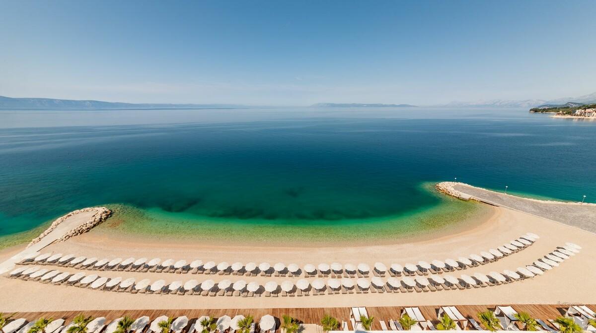 Medora Auri beach