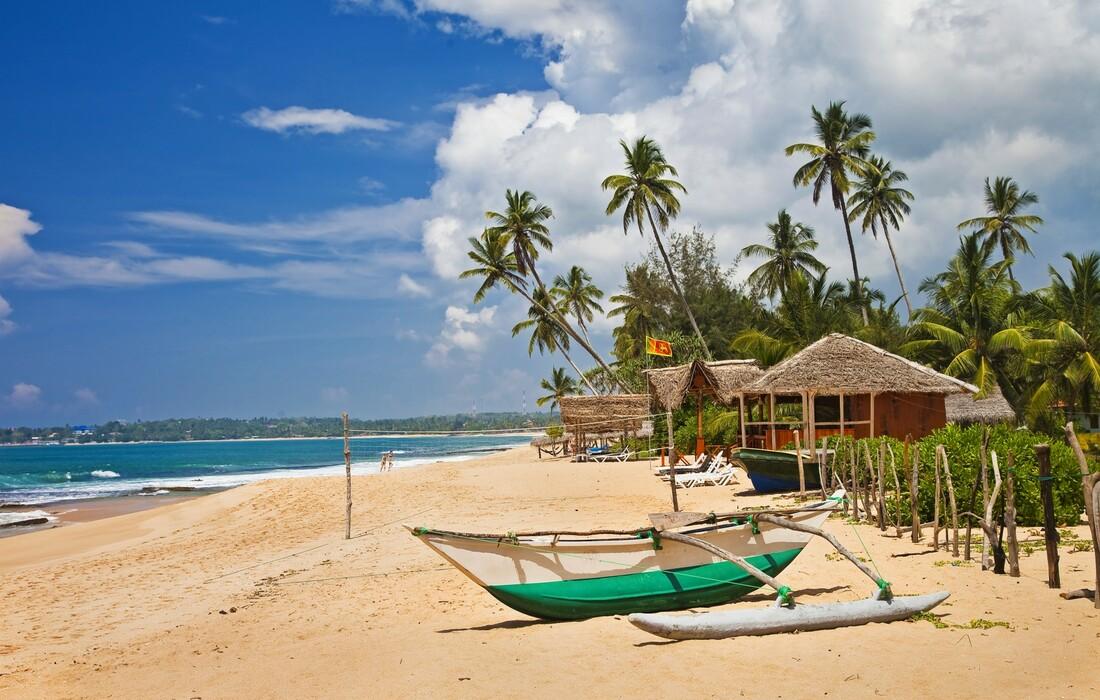 Pješčana plaža Šri Lanke, putovanja zrakoplovom, Mondo travel, daleka putovanja, garantirani polazak