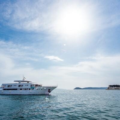 Krstarenje Jadranom, Brod Adriatic Sun