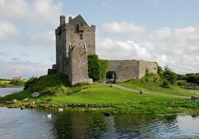 Irska, Galway, Dvorac Dunguaire