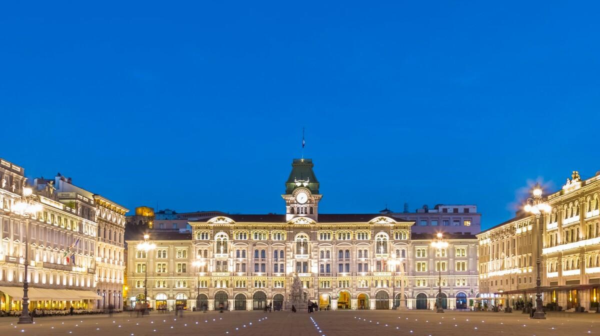 Glavni trg u Trstu, putovanje u Italiju, garantirani polasci
