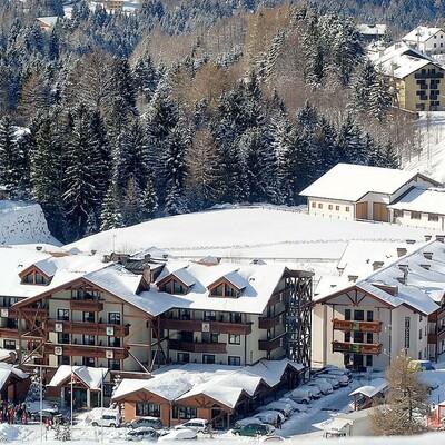 Skijanje u Italiji, skijalište Folgaria, Costa di Folgaria, Golf hotel Folgaria, pogled izvana