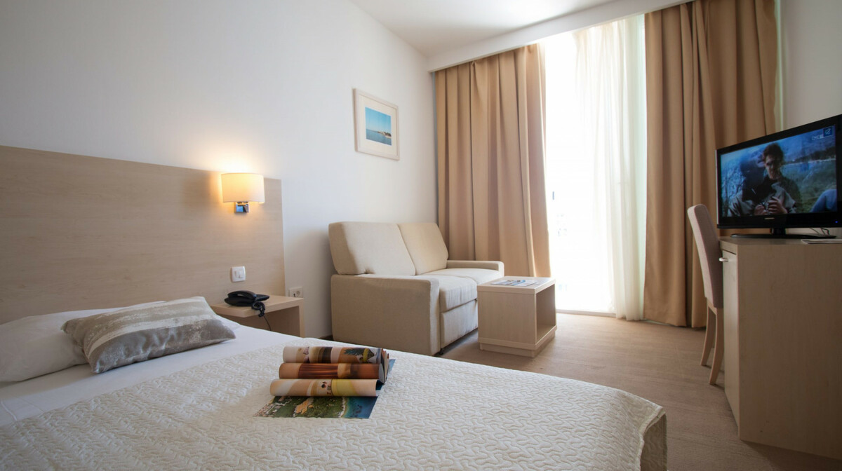 Biograd na Moru, Hotel Adria, superior soba, 1/2+1