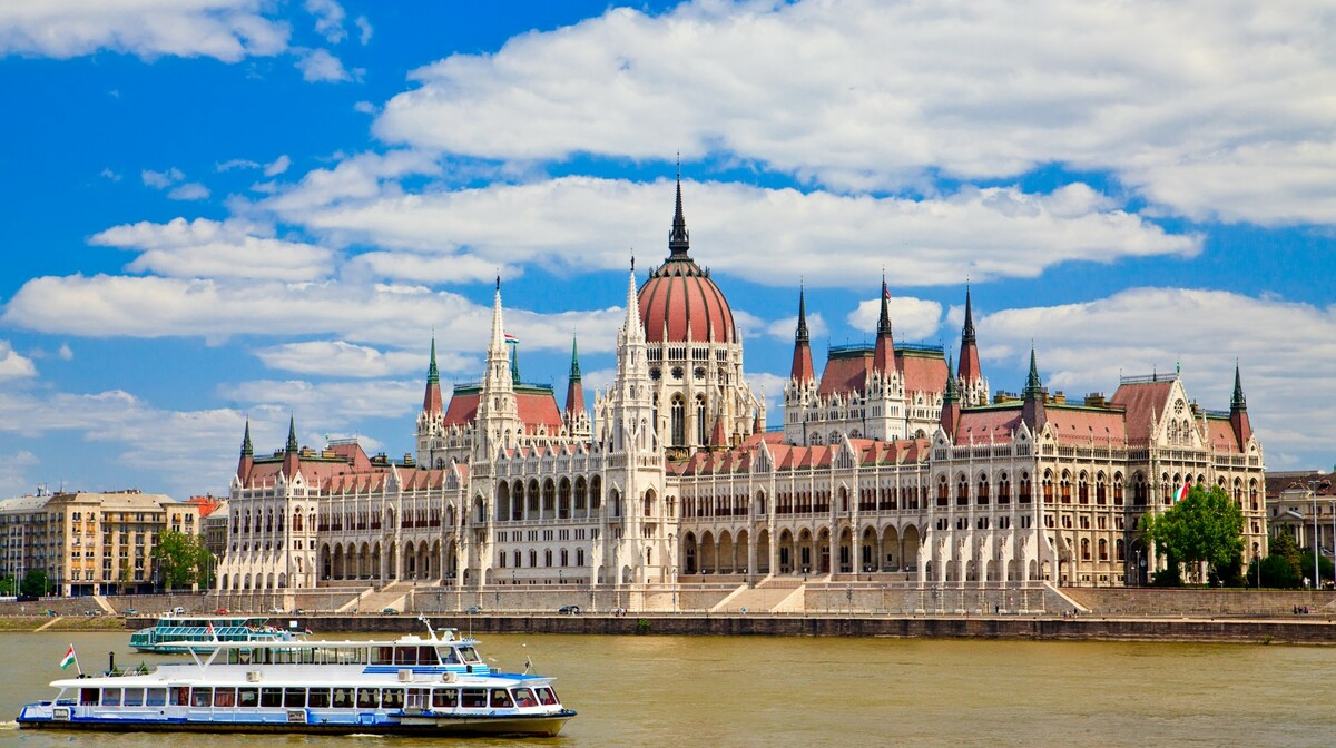 Pogled na Parlament sa Dunava, putovanje u Budimpeštu, Mondo travel