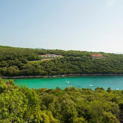 Ljetovanje u Hrvatskoj, Duga Uvala
