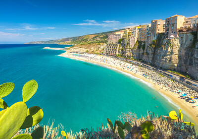 Kalabrija, grad i plaža Tropea