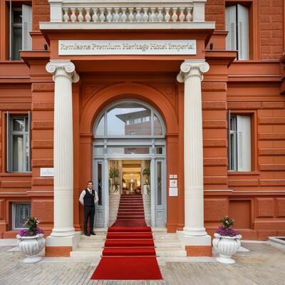 Ulaz u hotel Imeprial u Opatiji.