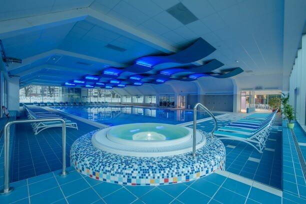 Skijanje i wellness u Sloveniji, Cerkno, Hotel Cerkno, bazen i whirpool