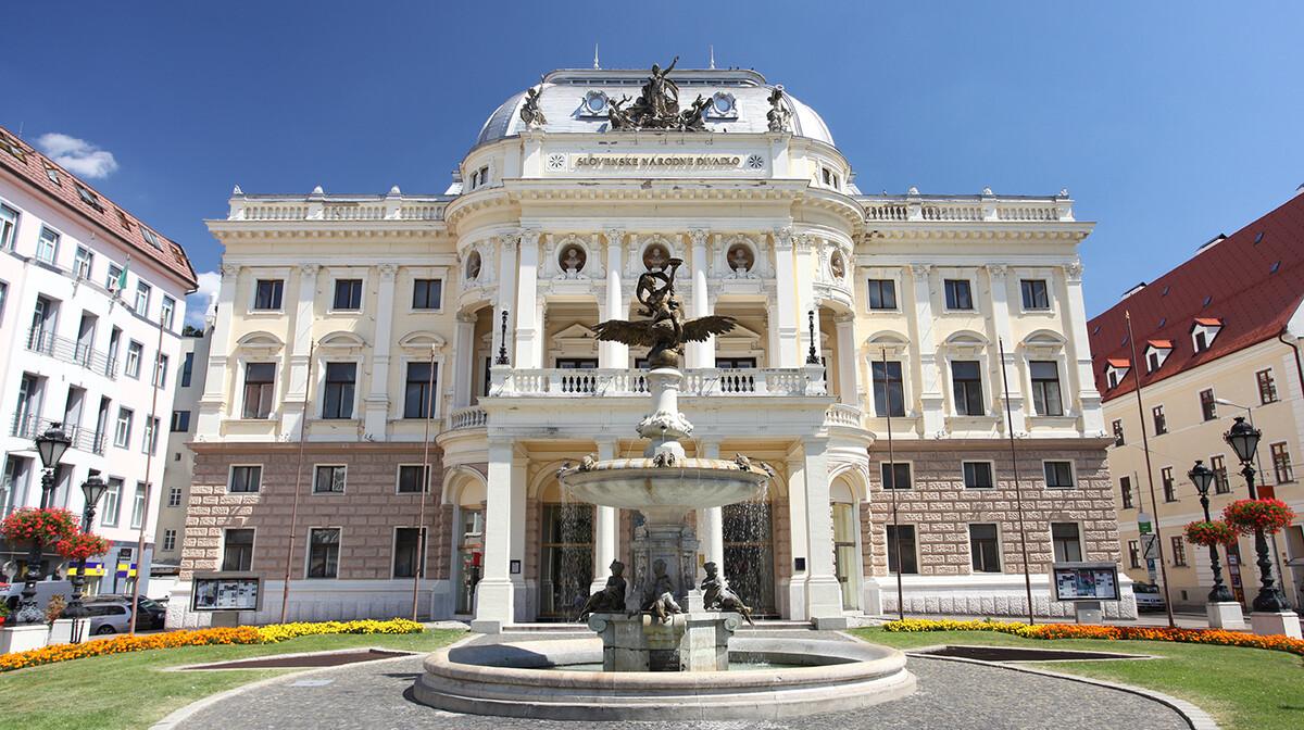 Narodno kazalište u Bratislavi, putovanje u Bratislavu, autobusno putovanje, mondotravel.hr