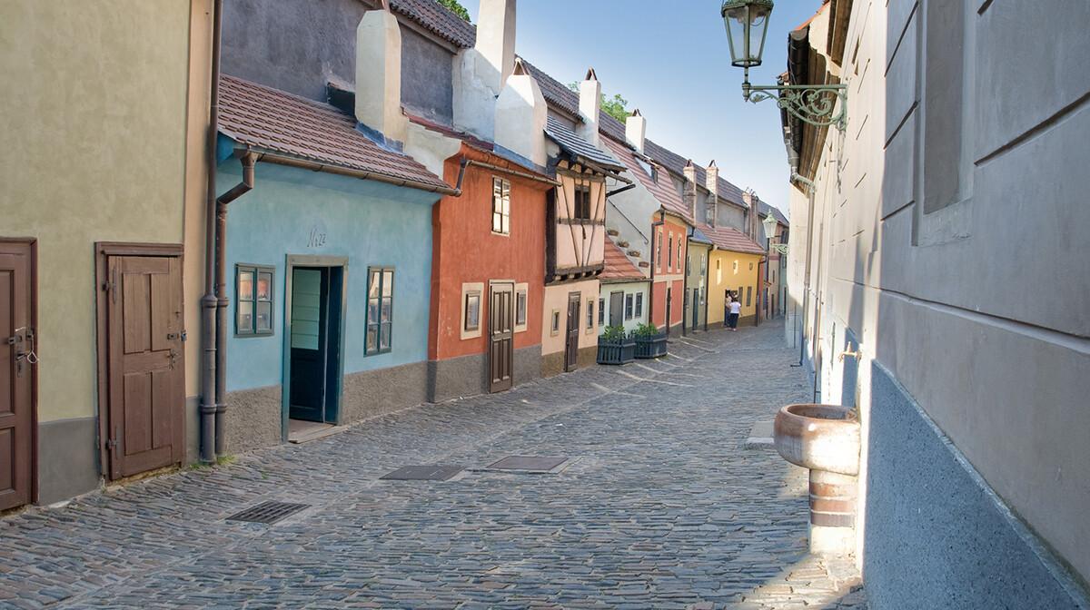 Zlatna ulica Prag, na broju 22 živio je poznati češki pisac Franz Kafka