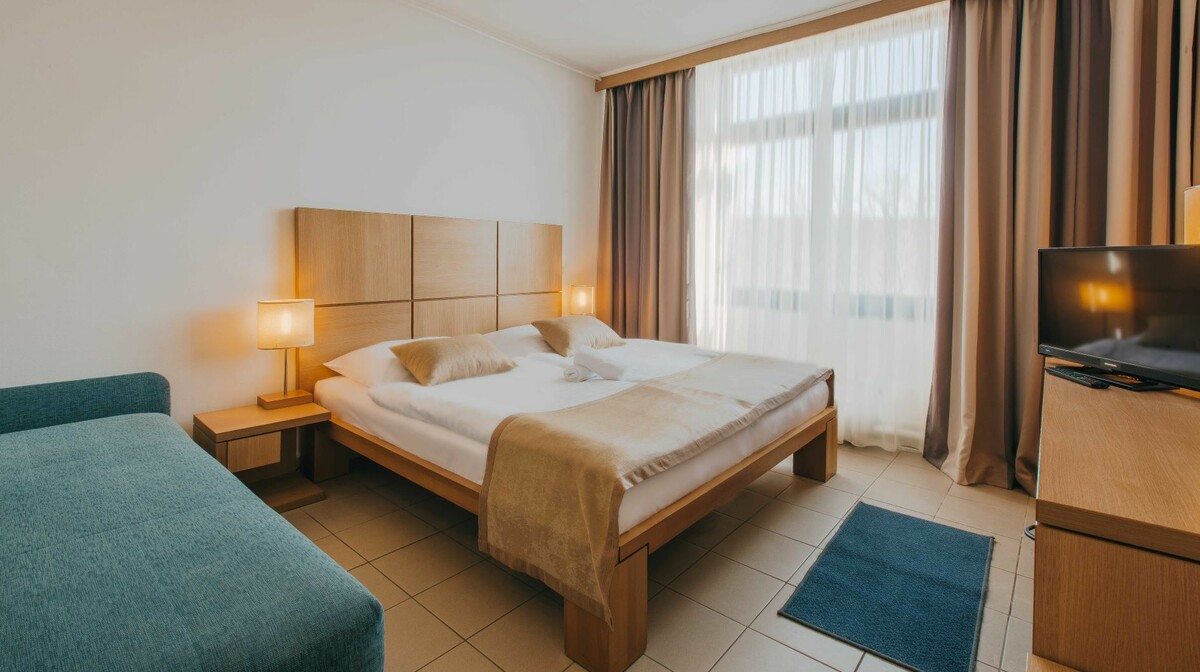 Dvokrevetna soba u hotelu Aminess Magal u Njivicama, Otok Krk, mondo travel
