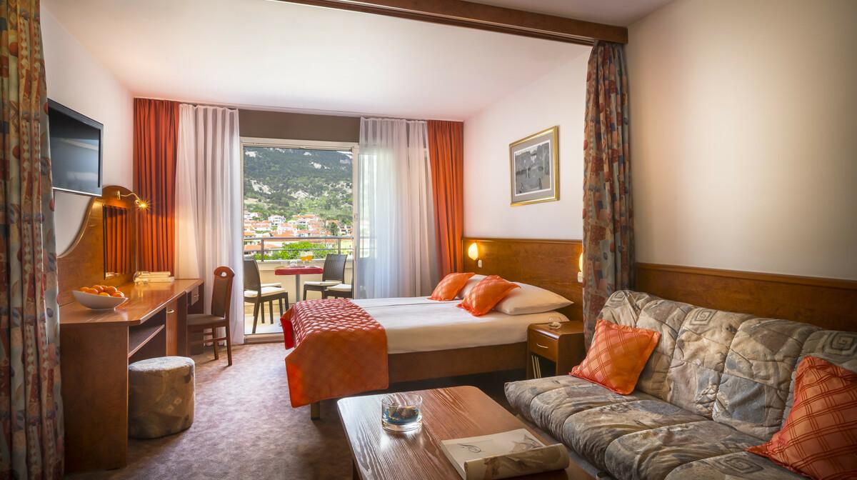 Ljetovanje u Baškoj, Otok Krk, Valamar, Corinthia Baška Sunny hotel, standard obiteljska soba