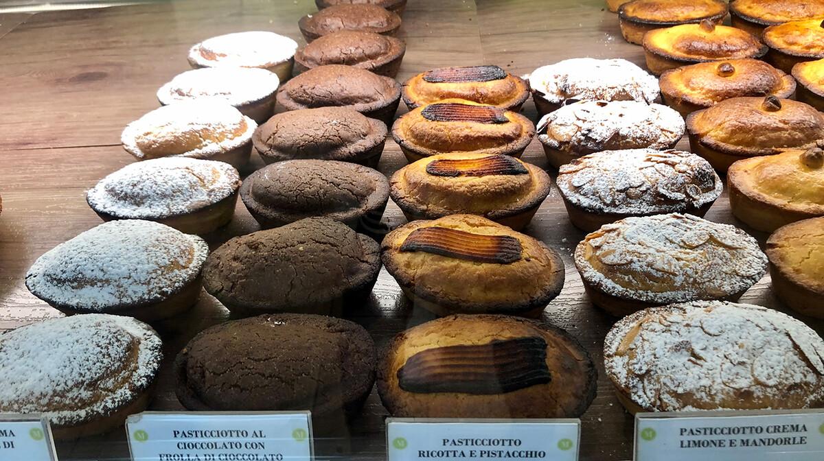 Pasticciotti-tradicionalni talijanski kolači, putovanje u Italiju, Mondotravel