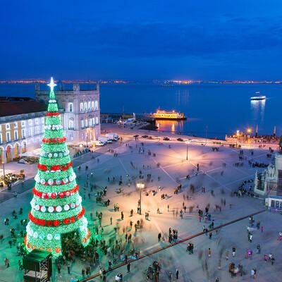 Bor na Placa il Commercio u Lisabonu, putovanje Advent u Lisabonu