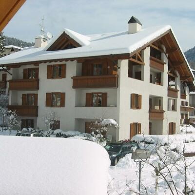 Skijanje u Italiji, skijalište Andalo/Paganella, Molveno, Residence Stefenine, pogled izvana