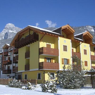 Skijanje u Italiji, skijalište Andalo/Paganella, Molveno, Apartmani Alpenrose, pogled izvana