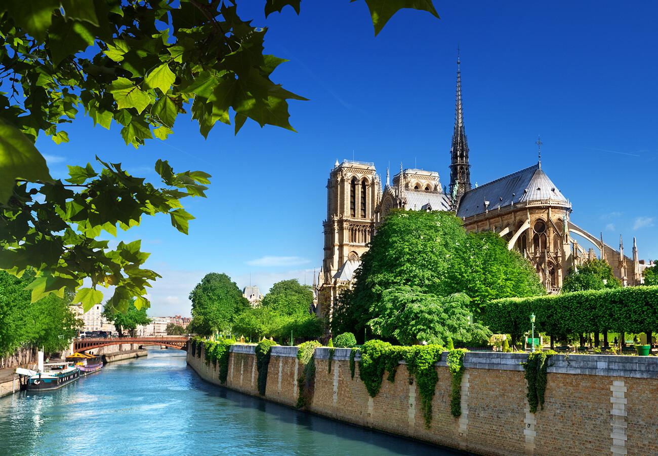 Crkva Notre Dame i rijeka Seina, putovanje u Pariz, garantirani polasci