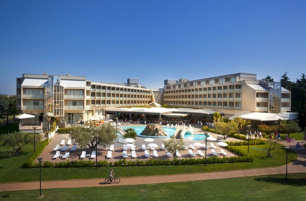 Maestral Hotel