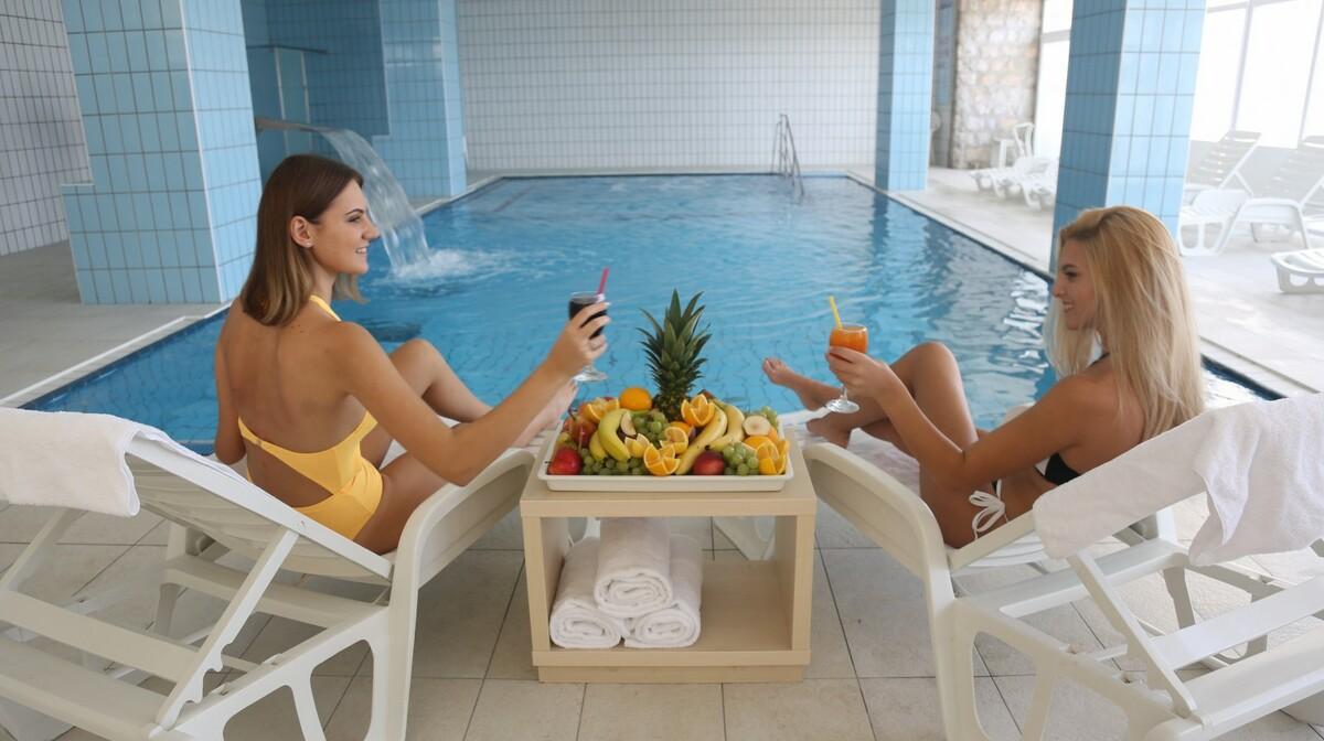 Biograd, Hotel Adria, unutarnji bazen