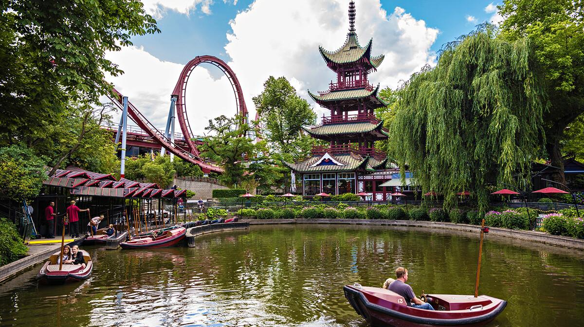 zabavni park Tivoli iz davne 1843 g., s 4,5 milijuna posjetitelja na godinu