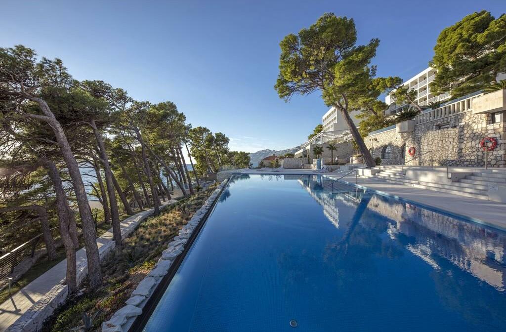 Vanjski bazen hotel Sentido Bluesun hotel Berulia, mondo travel