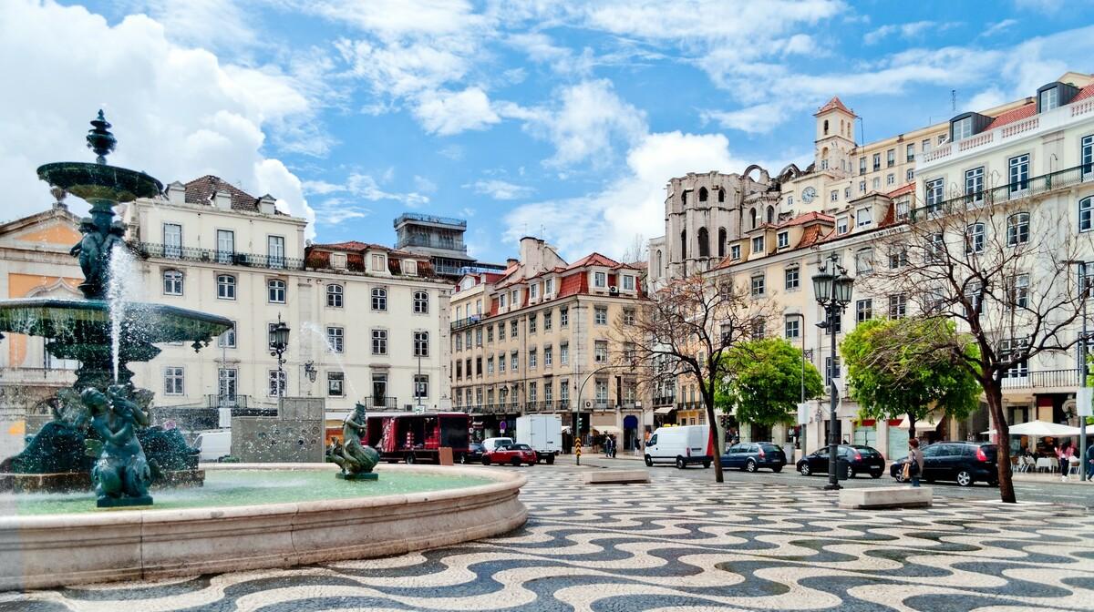 Fontana na trgu Rossio, putovanje u Portugal