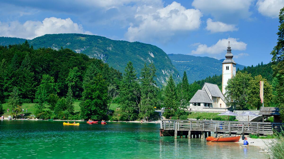 Slovenija, Bohinjsko jezero, vožnja kajacima
