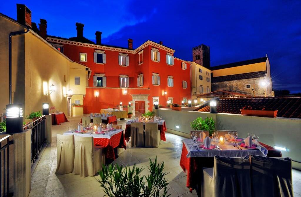 Wellness u Hrvatskoj, Motovun, Hotel Kaštel, terasa.