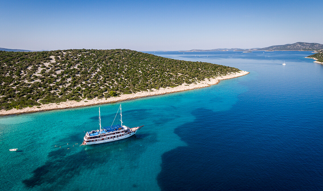 Brod Paradis