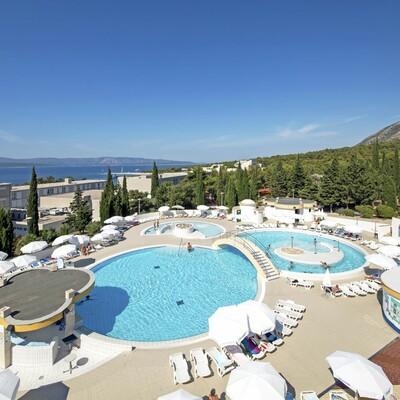 Otok Brač, Bol, Bluesun hotel Bonaca, vanjski bazeni