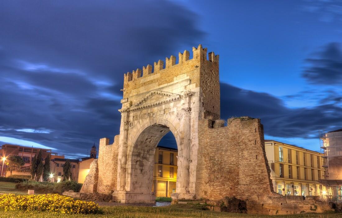 rimini autobusom, Augustov luk, putovanje Rimini, mondo travel