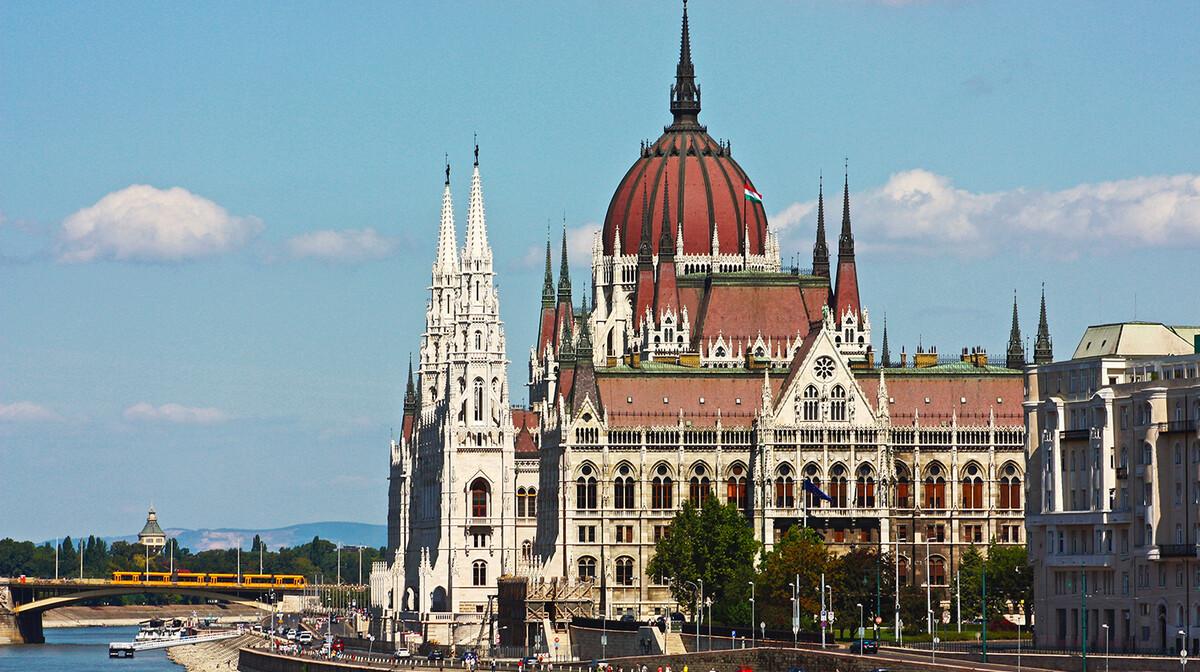 Parlament u Budimpešti, putovanje u Budimpeštu autobusom