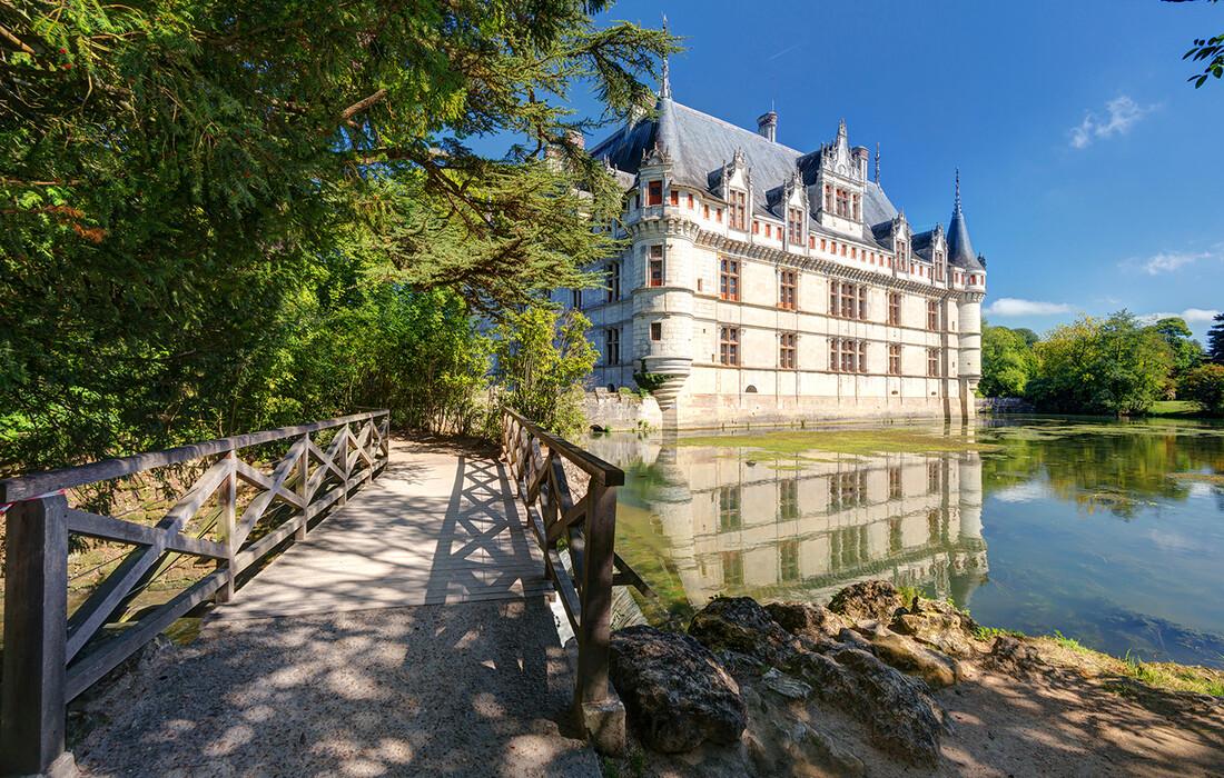 dvorac chateau de Azay-le-Rideau, putovanje dvorci loare, francuska tura, garantirani polazak