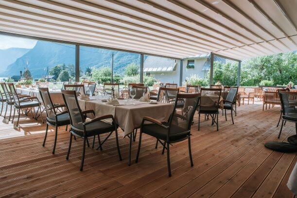 Skijanje i wellness u Sloveniji Apartmani Triglav vanjski, natkriveni dio restorana