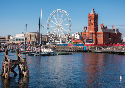 Wales - Cardiff - Ferris Wheel and Pierhead