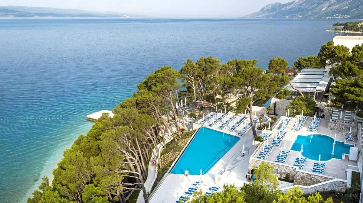 Vanjski bazeni hotela Bluesun Berulia beach, modno travel