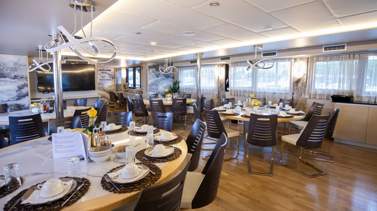 Krstarenje Jadranom Freedom -restoran
