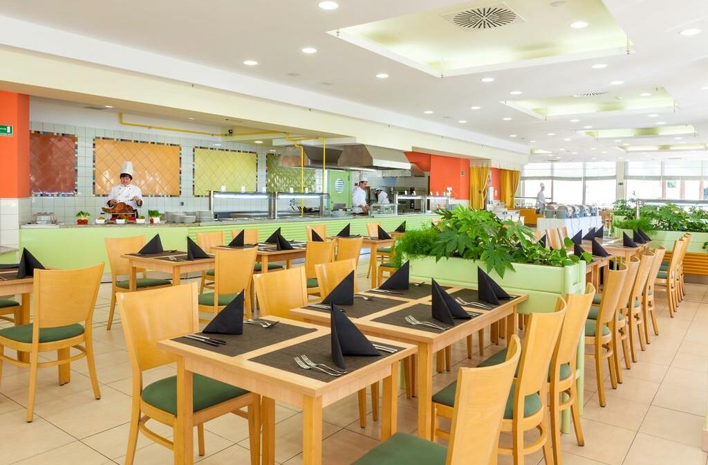 Umag, Hotel Sol Aurora, unutarnji dio restorana