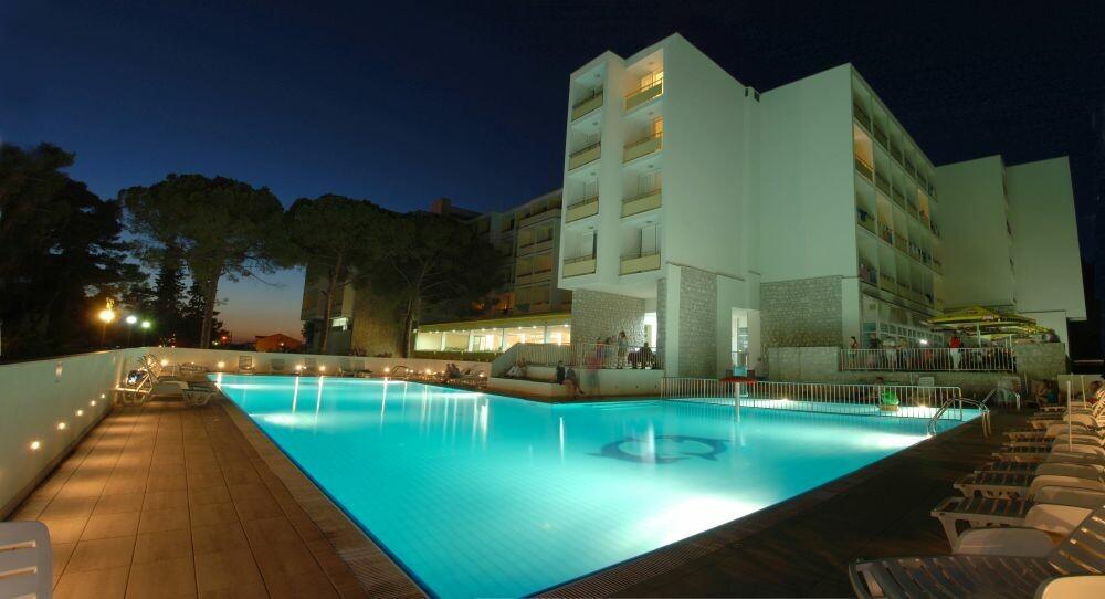Biograd, Hotel Adria, noćna