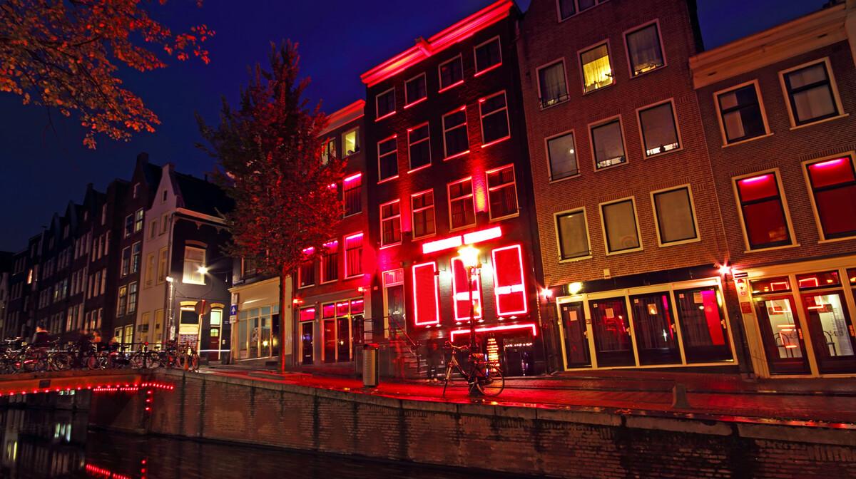 Četvrt crvenih svjetiljki, putovanje u Amsterdam