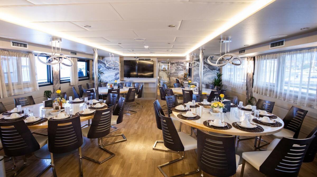Krstarenje Jadranom brodom Freedom  - restoran