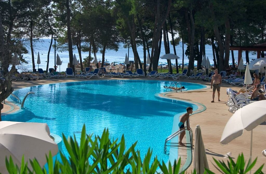 Umag, Hotel Sol Aurora, bazen uz more