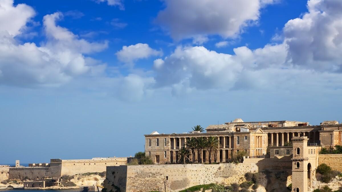Zidine glavog grada Vallette, Nova godina na Malti, mediteran, posebnim zrakoplovom