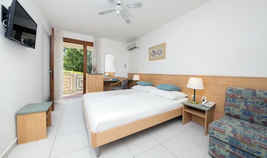 Otok Brač, Bol, Bluesun hotel Bonaca, dvokrevetna soba