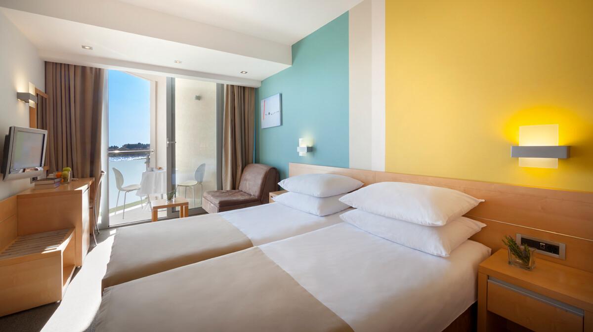 Novigrad, Aminess Maestral Hotel