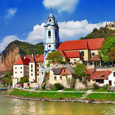 vožnja brodom kroz dolinu Wachau na putovanju u Austriju
