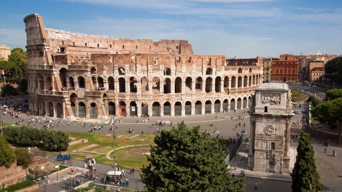 Rim, koloseum, putovanje zrakoplovom