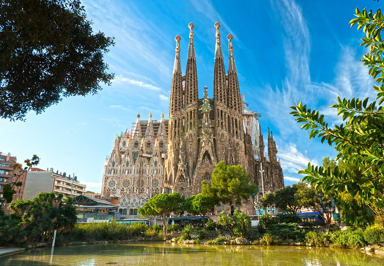crkva Sagrada Familia, putovanje Barelona, krstarenje Mediteranom, garantirani polasci