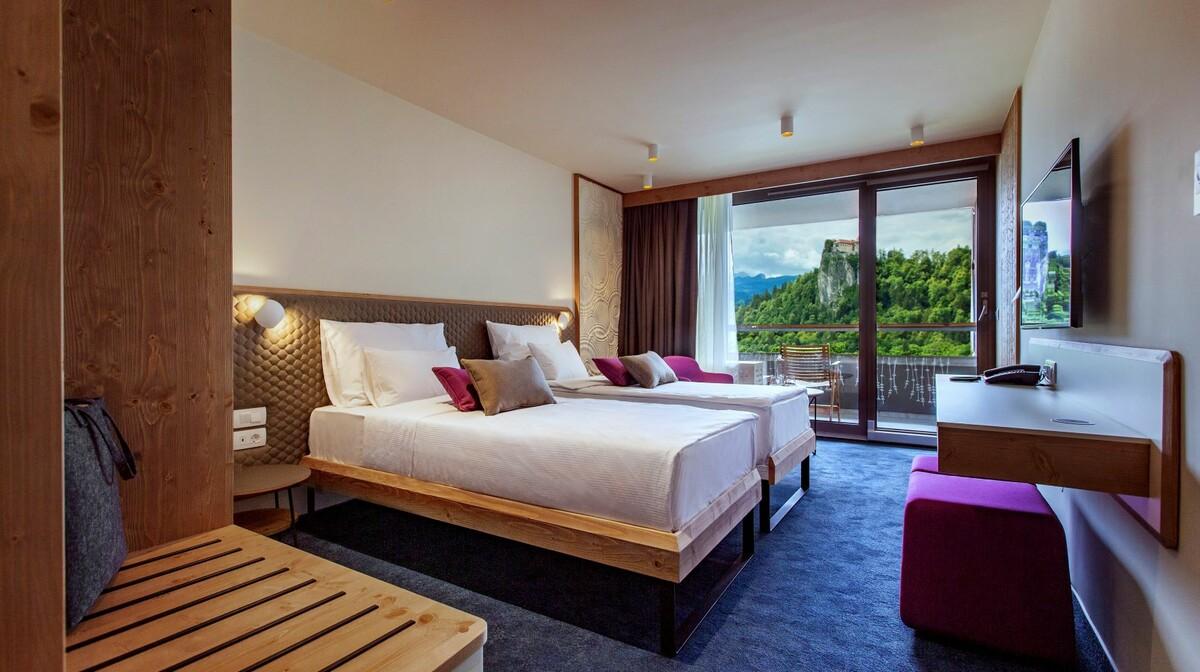 Skijanje i wellness u Sloveniji, Bled, Hotel Park, spavaća soba pogled jezero