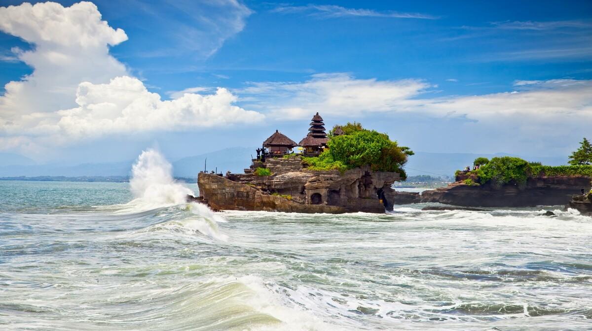 plaža i hram, Mondo travel, daleka putovanja, garantirani polazak
